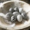 Pasen: Paaseieren kleuren in zwart en wit (DIY)