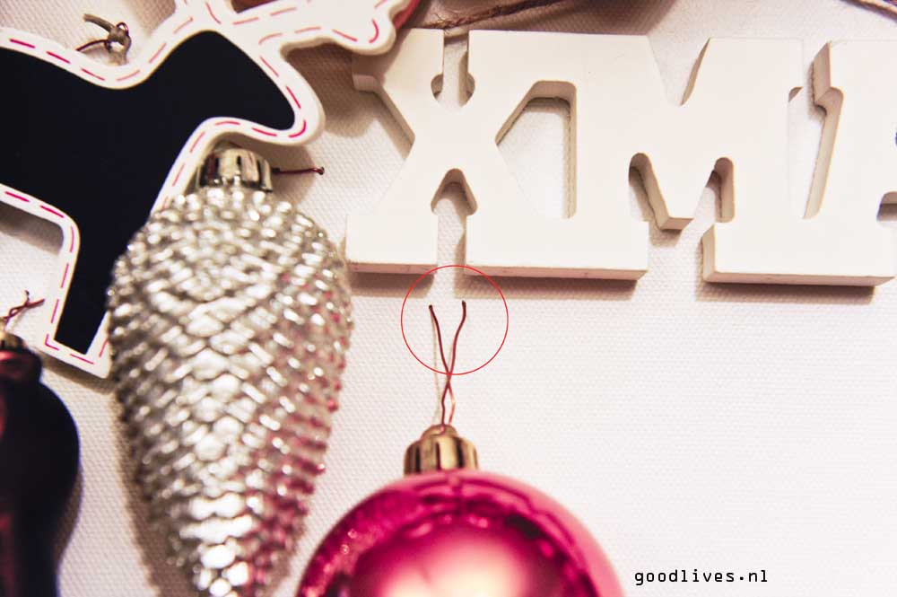 Alternatieve kerstboom op doek voorbeeld bevestiging decoratie