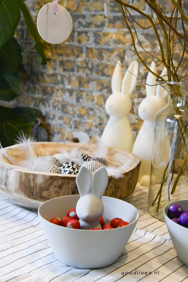 Easter bowl with bunny and eggs into the DIY bowl, goodlives.nl